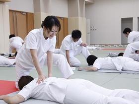 呉竹医療専門学校鍼灸マッサージ科�T部のイメージ