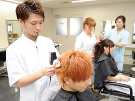 東京マックス美容専門学校通信課程 美容科 4月生のイメージ
