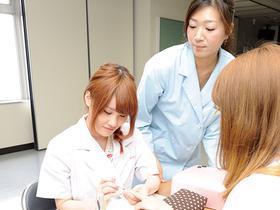 東京マックス美容専門学校専門課程 美容科 トータルビューティーのイメージ