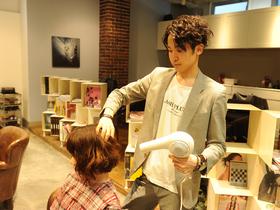 東京マックス美容専門学校専門課程 美容科 ヘアスタイリストのイメージ