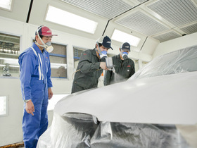 専門学校 埼玉自動車大学校自動車車体整備のイメージ