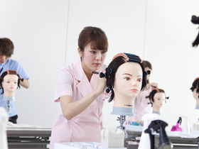 ハリウッドビューティ専門学校美容科 専門課程のイメージ