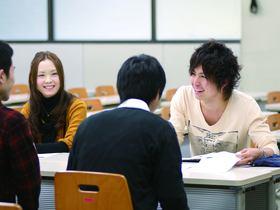 中央大学経済学部 公共・環境経済学科のイメージ