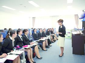 埼玉女子短期大学国際コミュニケーション学科 エアライン・ホスピタリティコースのイメージ