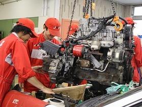 日本モータースポーツ専門学校 大阪校二級整備士学科のイメージ