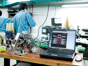 大阪工業技術専門学校ロボット・機械学科 ロボット機械専攻のイメージ