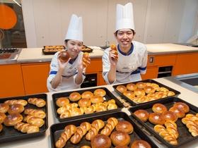 国際フード製菓専門学校製菓製パン科2年制 パン専攻コース(※2年次より選択)のイメージ
