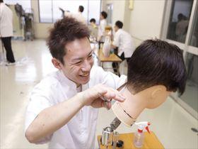 高津理容美容専門学校●理容科 ヘアデザイン専攻のイメージ